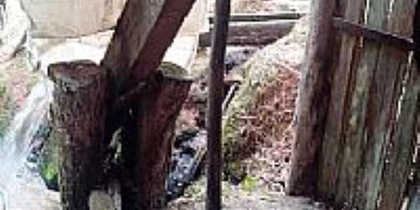 Congonhinhas-PR-Monjolo de produzir farinha-Foto:Donisetetiti