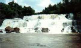 Corbélia - Essa cachoeira é mais uma maravilha da natureza., Por Zenilda (diretora do depto de turismo domunicípio)