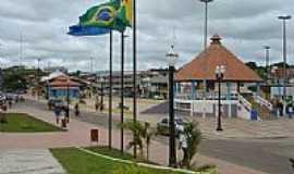 Cruzeiro do Sul - Pra�a central de Cruzeiro do Sul-Foto:JEZAFLU=ACRE=BRASIL
