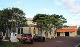 Dois Irmãos - Estacionamento da Igreja no Distrito de Dois Irmãos-Foto:Ricardo Mercadante
