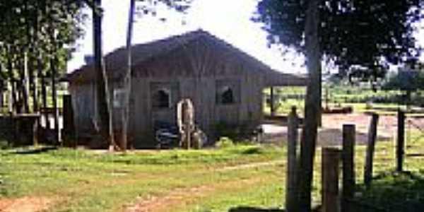 Casinha no interior de Esperança Nova-Foto:dimascorporation