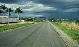 Guanambi - Rodovia em Guanambi-Foto:joseadilsonet