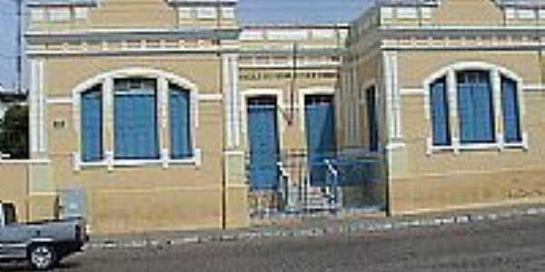 Colégio Getúlio Vargas em Guanambi-Foto:adalbertoff
