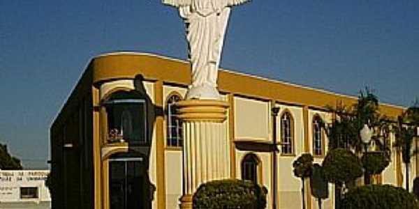 Faxinal-PR-Cristo em frente a Par�quia M�e da Unidade-Foto:dim@s