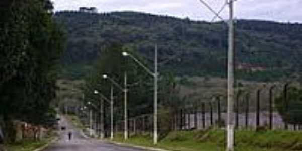 Avenida Ivo Leão em Fernandes Pinheiro-Foto:ThiagoF.