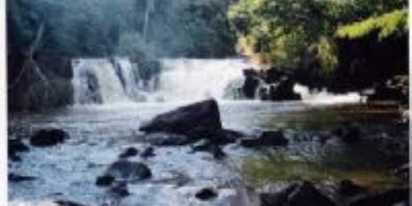 cachoeira estrada Paranhos, Por Walter Bento