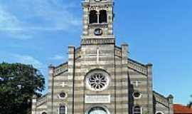 Florestópolis - Imagem frontal da Igreja Matriz de Florestópolis-PR-Foto:cesar.alexandre.fern…