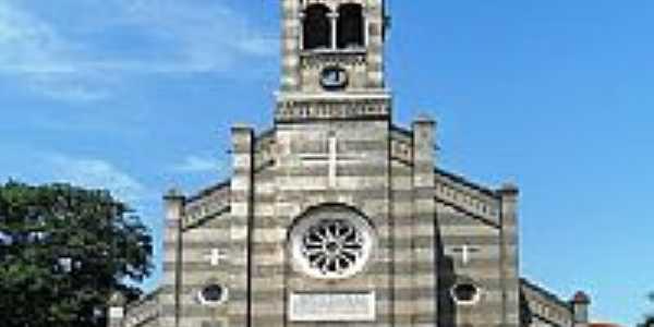 Imagem frontal da Igreja Matriz de Florestópolis-PR-Foto:cesar.alexandre.fern…