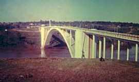 Foz do Iguaçu - Ponte da Amizade em 1972 de Foz do  Iguaçu-PR-Foto:Serneiva