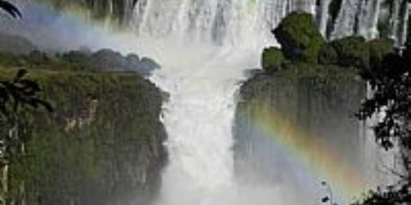 Foz do Iguaçu-PR-Cores do arco-íris no Iguaçu-Foto:Chaydeé