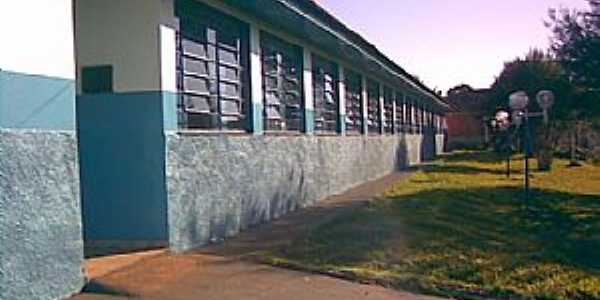 Geremia Lunardelli-PR-Entrada do Colégio Estadual Rui Barbosa-Foto:www.nvuruibarbosa.