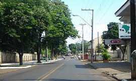 Gua�ra - Gua�ra-PR-Avenida no centro-Foto:Claudirene Rizzo