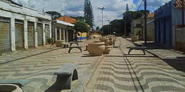 Guaraci-PR-Calçadão no centro da cidade-Foto:lco s