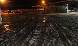 Guarapuava - Ruas cobertas de neve na madrugada de 23/07/2013 em Guarapuava-PR-Foto:�lvaro Penerotti