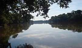 Hercul�ndia - Rio Iva� em Hercul�ndia-Foto:mejhore