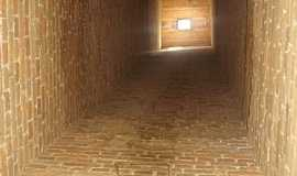 Ibaiti - Ibaiti-PR-Interior da Chaminé da Mina Velha-Foto:Claudinei Lexers lexers