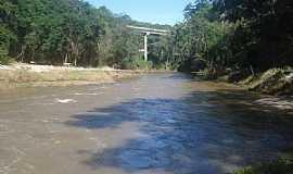 Ibaiti - Ibaiti-PR-Vista da Ponte sobre o Rio Laranjinha-Foto:Claudinei Lexers lexers