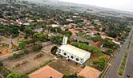 Icaraíma - Foto aérea do pátio da Igreja (Foto Studio Vera)
