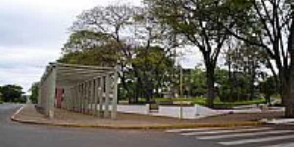Praça da Bíblia em Icaraíma-PR-Foto:Edson P. Almeida
