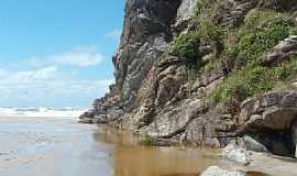 Ilha do Mel - Ilha do Mel-PR-Paredão de rochas-Foto:Gustavo Ramos Chagas