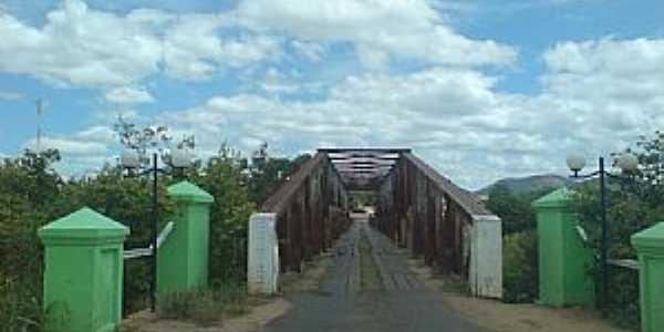 Iaçu-BA-Ponte sobre o Rio Paraguaçu-Foto:Andre L. S. Lacerda