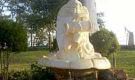 Itaipulândia - Fonte no Monumento à N.Sra.Aparecida em Itaipulândia-Foto:Ricardo Mercadante