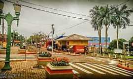 Itambaracá - Itambaracá-PR-Rodoviária e calçadão no centro da cidade-Foto:Deolindo Somera