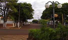 Itambaracá - Itambaracá-PR-Rua central da cidade-Foto:Cristiano de Freitas