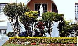 Jacarezinho - Jacarezinho-PR-Gruta no Colégio Imaculada Conceição-Foto:Fabio Vasconcelos