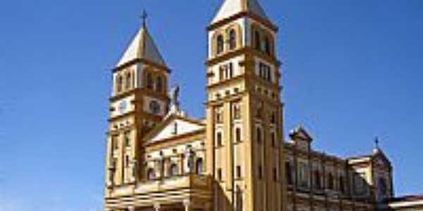 Catedral de N.Sra.da Conceição e São Sebastião em Jacarezinho-PR-Foto:Vicente A. Queiroz