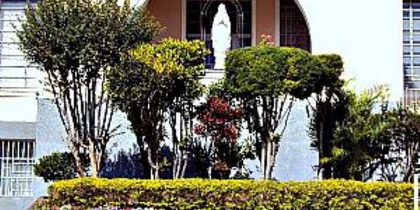 Jacarezinho-PR-Gruta no Colégio Imaculada Conceição-Foto:Fabio Vasconcelos