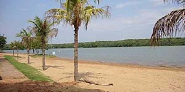 Jacutinga-PR-Orla do lago no Camping Municipal-Foto:macamp.com.br