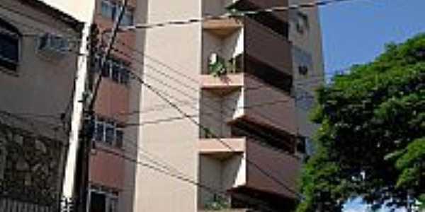Jaguapitã-PR-Único Edifício da cidade-Foto:william guerreiro