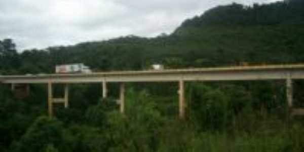 Ponte sobre o rio Jangada, Por Ivana Jakubiu Mitzco