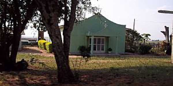 Janiópolis-PR-Igreja na estrada para Janiópolis-Foto:Old Bear