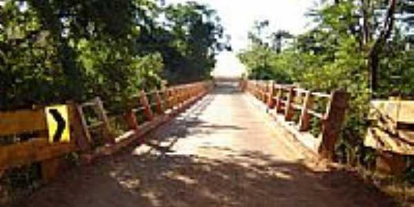Ponte sobre o Rio Pirap� em Jardim Olinda-PR-Foto:Adauto Sanches