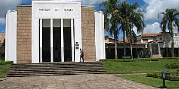 Lapa-PR-Panteon dos Merces-Foto:Juca Lodetti