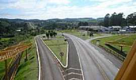Laranjeiras do Sul - Passarela na Rodovia BR-277 em Laranjeiras do Sul-PR-Foto:Artemio C.Karpinski
