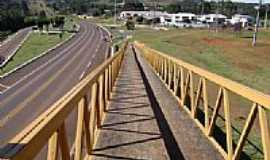 Laranjeiras do Sul - Trevo de acesso na Rodovia BR-277 em Laranjeiras do Sul-PR-Foto:Artemio C.Karpinski