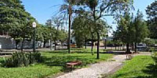 Praça em Loanda-Foto:Ricardo Mercadante