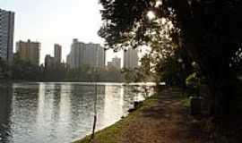 Londrina - Londrina-PR-Orla do Lago Igapó e a cidade-Foto:Sofia Prado