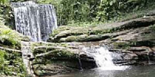 Cachoeira em Lovat-Foto:wando comper