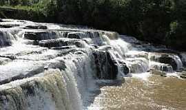 Mallet - Mallet-PR-Cachoeira-Foto:tiago blink