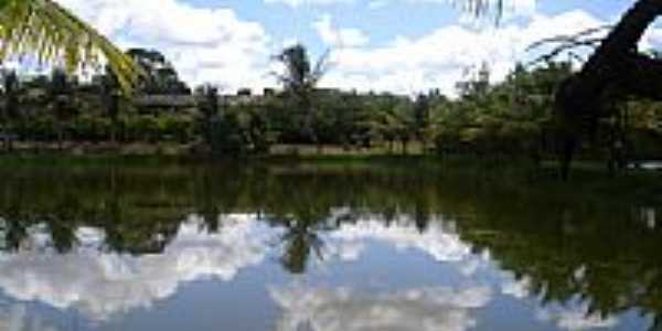 Lago Cangandu, por Eloizio.