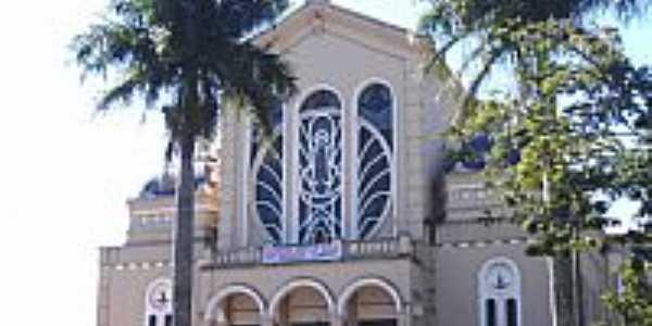 Matriz de N.Sra.de Fátima em Marialva-PR-Foto:Vicente A. Queiroz
