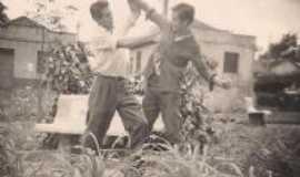Maril�ndia do Sul - Foto tirada em 1959 Brincadeira de estudantes, Por Leonisio de Andrade