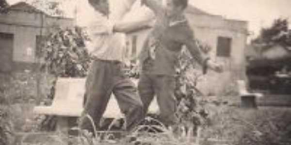 Foto tirada em 1959 Brincadeira de estudantes, Por Leonisio de Andrade