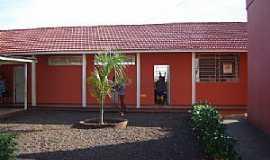 Marilu - Marilu-PR-Pátio interno da Escola de Ensino Fundamental-Foto:www.ietmarilu.seed.pr.gov..br