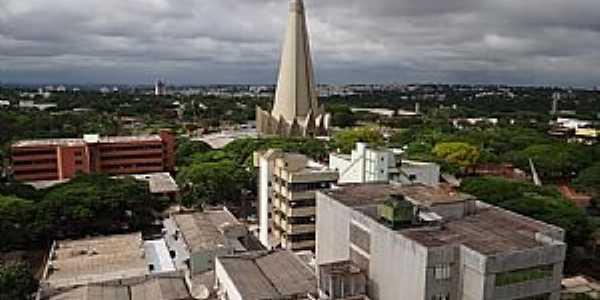 Maringá-PR-Centro da cidade com vista da Catedral-Foto:Paulo Yuji Takarada
