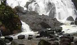 Ibiraj� - Cachoeira dos Catabrigas em Ibiraj�-BA-Foto:Anderson Vit�rio Cos�